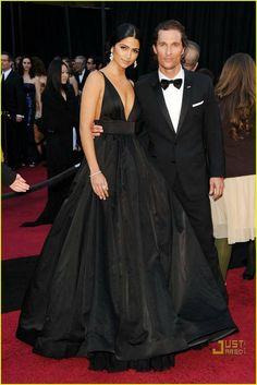 A Line Taffeta Camila Alves 2011 Oscar Sexy V Neck Red Carpet Evening Dress Ball Gown_1.jpg 746×1,117 pixels