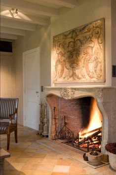 Beautiful reclaimed fireplace by Van Apers Classic Fireplace, Fireplace Mantle, Fireplace Design, Fireplace Ideas, Foyers, Best Electric Fireplace, Rock Fireplaces, Hearth, Great Rooms
