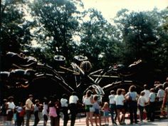 Oh my gosh! I totally remember this! Yep, one more ride that made me sick at Idora Park, the Spider. Aww...  *sniff*  :(