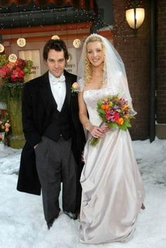 Have always loved Phoebe's wedding dress
