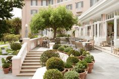Staying at Belmond Mount Nelson Hotel in Cape Town (The Blonde Abroad) Bridal Shower Venues, Cape Town Hotels, Bridesmaid Makeup, Lush Garden, Global Design, Architectural Elements, Summer Of Love, Morocco, South Africa