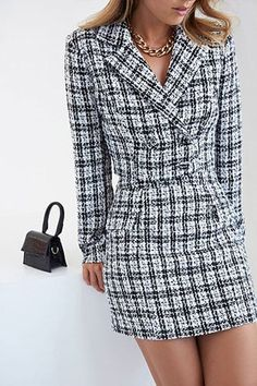Forever 21 is the authority on fashion & the go-to retailer for the latest trends, styles & the hottest deals. Shop dresses, tops, tees, leggings & more! Glamouröse Outfits, Blazer Outfits, Blazer Dress, Classy Outfits, Stylish Outfits, Fashion Outfits, Casual Blazer, Plaid Blazer, Blazer Fashion