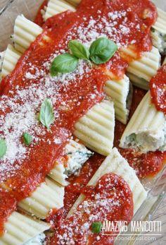 Amazing Manicotti - Hearty stuffed pasta 3 creamy cheeses and spinach. Cheese Manicotti, Manicotti Recipe, Spinach Manicotti, Pasta Recipes, Cooking Recipes, Steak Recipes, Potato Recipes, Fish Recipes, Vegan Recipes