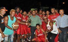 El club Los Coquitos conquistó el título de campeón del Primer Clásico de Baloncesto Mameyero U-25