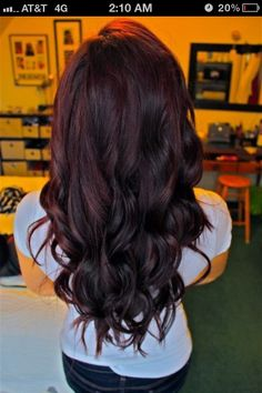 Perfect color. This is the length I want it for our wedding. Not sure if it'll get this long..we'll seeeeee!