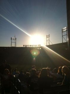 Dime-A-Dog Night at Huntington Park. Photo by @tiffbitz