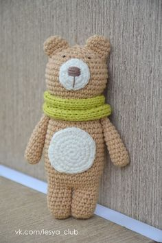 Teddy Bear with Scarf Amigurumi - Free Russian Pattern http://lesya-blog.blogspot.ru/2014/04/blog-post.html
