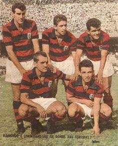 Flamengo - 1961. A partir da esquerda, em pé: Gerson, Henrique e Dida. Agachados: Joel e Babá.