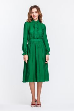 2288 Платье зеленое, миди, с рюшей на груди купить в Украине, цена в каталоге интернет-магазина брендовой одежды Musthave
