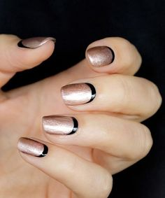 Black and gold has proven to be a great pair for this design. So here's an alternative for the combo where the base is the gold and the crescent moon nail is black. Enjoy this variation for more formal parties.