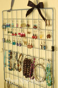 Remember the wire cubes that would easily fall apart. - Remember the wire cubes that would easily fall apart…. turn it into jewerly organization…. Jewellery Storage, Jewelry Organization, Jewellery Display, Earring Storage, Closet Organization, Diy Jewelry Holder, Jewelry Hanger, Earring Holders, Hanging Jewelry