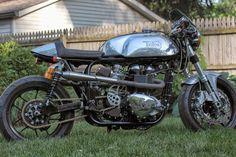 Hinckley 865 Triton by Framecrafters Inc British Motorcycles, Cool Motorcycles, Vintage Motorcycles, Cafe Racer Motorcycle, Motorcycle Design, Classic Bikes, Sport Bikes, Custom Bikes, Bobber