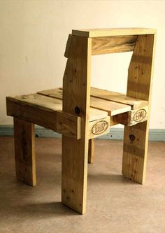 Easy DIY Pallet Chair Ideas | EASY DIY and CRAFTS