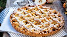 Máte velké zásoby jablek? Tak to musíte vyzkoušet tento famózní jablečný koláč - podzimní sladké chutě jedna báseň! :)