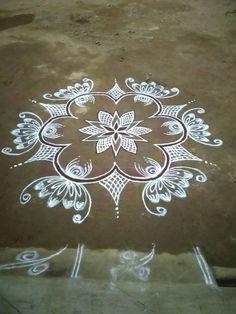 Indian Rangoli Designs, Rangoli Designs Latest, Rangoli Designs Flower, Rangoli Border Designs, Rangoli Ideas, Rangoli Designs With Dots, Rangoli Designs Images, Flower Rangoli, Beautiful Rangoli Designs