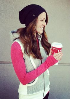 Winter lululemon outfit. Scuba hoodie with detachable sleeves, run swiftly in currant, black toque