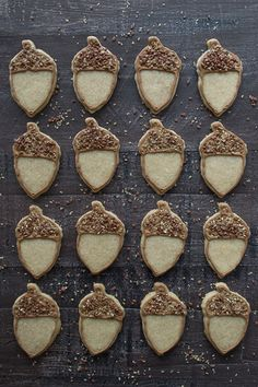 Maple flavored sugar cookies - these acorn cookies are so adorable! Acorn Cookies, No Bake Cookies, Sugar Cookies, Fall Recipes, Holiday Recipes, Biscuits, Crackers, Holiday Snacks, Dessert Decoration