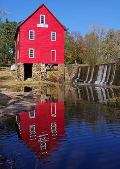 "Starrs Mill, Georgia--Sweet Home Alabama where the ""deep south glass"" scenes were filmed"