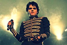 'Itdoesnt matter if you're self-conscious, if you think you're ugly, if you think you're fat. You're all beautiful.' - Gerard Way