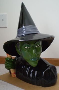 Wizard of Oz Wicked Witch Limited Edition of 1939 Cookie Jar by Star Jars/Treasure Craft