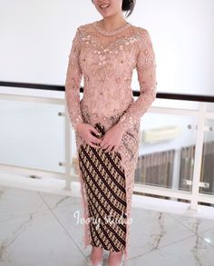 Kebaya Brokat, Kebaya Dress, Dress Pesta, Model Kebaya Modern, Indonesian Kebaya, Bridal Dresses, Designer Dresses, Graduation, Ootd