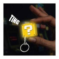 LLAVERO NINTENDO CUBO CON LUZ … Precio de Ocasión, 4cm del Bloque de interrogación de Nintendo, con luz en formato llavero ¡Incluye el sonido oficial de las monedas!