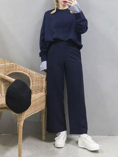 Korean Street Fashion, Korea Fashion, Kpop Fashion, Asian Fashion, Womens Fashion, Kpop Outfits, Chic Outfits, Modele Hijab, Become A Fashion Designer
