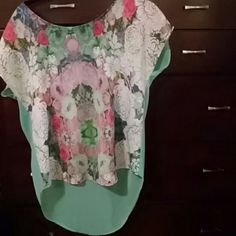 Floral Top Gorgeous floral top. Worn once. Lush Tops Blouses