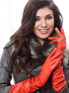 Leather jacket and red opera gloves Red Gloves, Rubber Gloves, Long Gloves, Ladies Gloves, Elegant Gloves, Gloves Fashion, Leder Outfits, Black Leather Gloves, Red Leather
