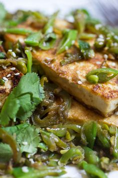 Hot and Sour Seared Tofu with Sugar Snap Peas Recipe - NYT Cooking Pea Recipes, Asian Recipes, Vegetarian Recipes, Cooking Recipes, Healthy Recipes, Snap Peas Recipe, Crispy Tofu, Sugar Snap Peas, Main Dishes