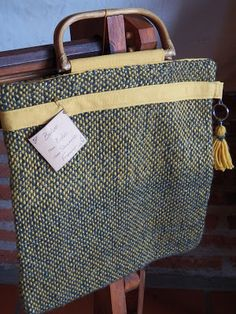 HACIENDO MANUALIDADES: MUESTRA DE TRABAJOS EN TELAR Tote Bag, Blog, Fashion, Crafts To Make, Loom, Moda, Fashion Styles, Carry Bag, Tote Bags