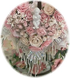 victorian wreaths | C029 Victorian Cherub Roses Heart Wreath Pink