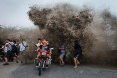 Interesting Photo of the Day: Wave Runner - http://thedreamwithinpictures.com/blog/interesting-photo-of-the-day-wave-runner