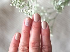 "Blogger Minttu/Go 4 it vol. 2 usually chooses deep, dark shades for her nails in the autumn, but now went for sophisticated nude Gel Effect nail polish shades instead. ""Feel surprisingly good"", she states! #nailpolish #lumene"
