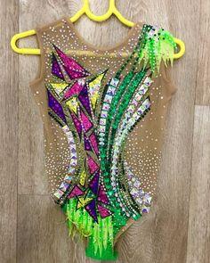 Rhythmic Gymnastics Costumes, Red Leotard, Girls Sports Clothes, Gym Leotards, Italian Beauty, Dance Wear, Anastasia, Sport Outfits, Swimsuits