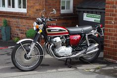 The best of vintage motorcycles Vintage Motorcycles, Cars And Motorcycles, Honda 750, Cb750, Mini Bike, Classic Bikes, Bike Trails, Motorbikes, Old School