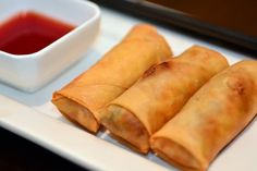 Spring roll dough - recipe-Frühlingsrollenteig – Rezept This spring roll dough can be filled as desired – a vegetarian recipe. Curry Recipes, Fish Recipes, Meat Recipes, Asian Recipes, Roll Dough Recipe, Whole30 Recipes Lunch, Easy Whole 30 Recipes, Chicken Parmesan Recipes, Mets