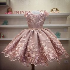 Frocks For Girls, Kids Frocks, Gowns For Girls, Baby Girl Party Dresses, Toddler Girl Dresses, Flower Girl Dresses, Little Girl Gowns, African Dresses For Kids, Girls Dress Shoes