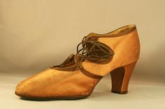 1920s Satin Cutaway Laced Pump with Contrasting Detail