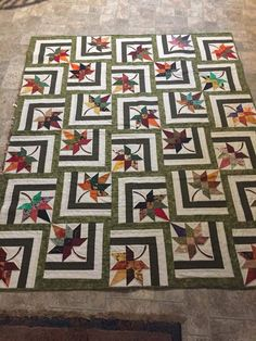 Bester Fall Quilting Patterns Maple Leaves 49 + Ideen Best Fall Quilting Patterns Maple Leaves I Star Quilt Blocks, Star Quilt Patterns, Star Quilts, Scrappy Quilts, Patchwork Quilting, Tree Quilt Pattern, Amish Quilts, Patchwork Patterns, Patchwork Designs
