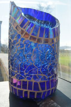 "kerzenglas, blaue prosecco flasche, autofensterglas,  von meinem recycle projekt ""second time around"" Home Decor, Lute, Recyle, Mosaic, Windows, Flasks, Candles, Glass, Projects"
