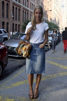 A top look from yesterday at Says one of our Stephanie Sol Sommer Casual Work Outfits, Mode Outfits, Casual Wear, Denim Fashion, Fashion Outfits, Fashion Trends, Denim Skirt Outfits, Denim Pencil Skirt Outfit, Denim Skirt Outfit Summer