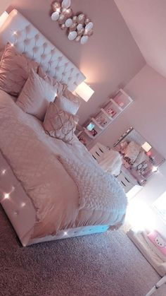 Light Pink Room Decor Bedroom Decor Pink Bedroom Design with Cute Room Decor Room Ideas Bedroom, Girl Bedroom Designs, Teen Bedroom Colors, Teen Room Designs, Ikea Bedroom, Bedroom Themes, Princess Bedroom Decorations, Diva Bedroom Set, Small Bedroom Hacks