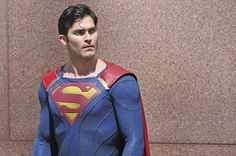 Supergirl - Season 2 - BTS Photos of Tyler Hoechlin as Superman; Lena Luthor Updated 7th August 2016