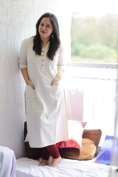 Khadi- Old notes, New tunes. Silk Kurti Designs, Churidar Designs, Kurta Designs Women, Kurtha Designs, Linen Dress Pattern, Khadi Kurta, Casual Indian Fashion, Indian Designer Suits, Designer Party Wear Dresses