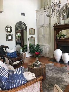 Rustic Farmhouse Living Room. Rustic French Farmhouse Living Room. French Farmhouse Living Room Decor #FrenchFarmhouse #LivingRoom #RusticFarmhouse Beautiful Homes of Instagram @cindimc.ivoryhome