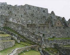 "Hans-Christian Schink, ""Peru"", Machu Picchu 2, 2004, C-Print/Diasec, 178 x 215 cm und 121 x 145 cm, Auflage 5 + 3"