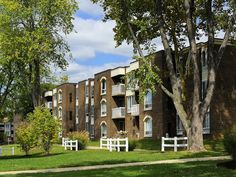 Top 5 Apartments in Gaithersburg MD http://ift.tt/2mMR0PO   Gaithersburg is a lovely suburban town close to DC. Here are some apartment complexes in that area that would be great to live in.    The Crossings at Washingtonian Center  The Crossings at Washingtonian Center is the definition of luxury living. The apartment homes have newly renovated kitchens and bathrooms wood burning fireplaces private balconies walk-in closets and vaulted ceilings. A free shuttle is provided to the Shady Grove…