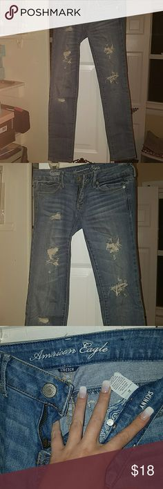 Skinny Jeans Mildly wripped skinny jeans. Like new condition. American Eagle Outfitters Jeans Skinny