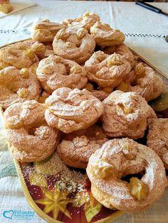 "The ""zeppole"", typical sweet of St.Joseph day  http://www.polignanomadeinlove.com #polignanomadeinlove #ilovepolignanoamare #vieniamangiareinpuglia #sweet #madeinitaly #WeAreInPuglia #polignanolovers"